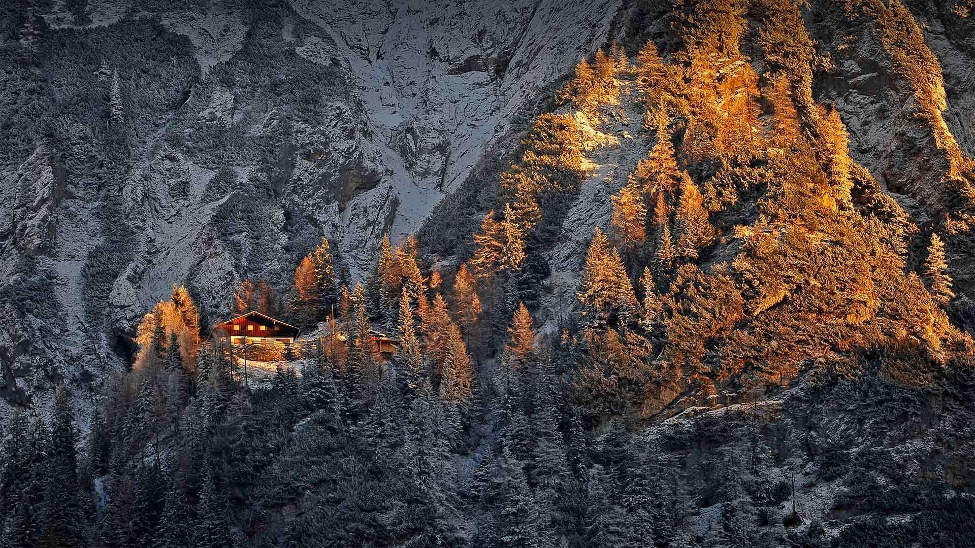 巴伐利亚阿尔卑斯山脉中的米滕瓦尔德小屋米滕瓦尔德