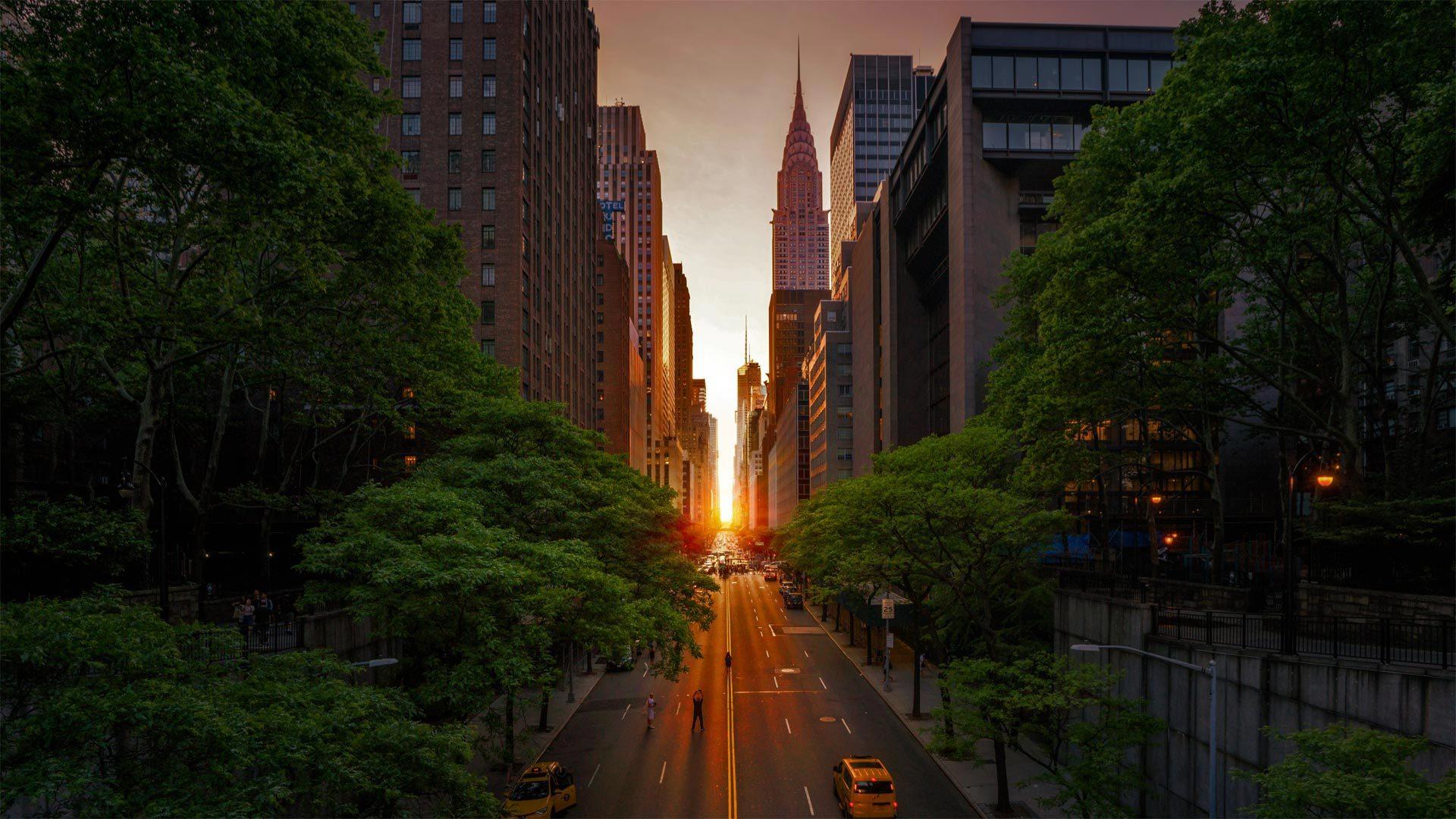 2018年曼哈顿悬日期间的克莱斯勒大厦与42号街