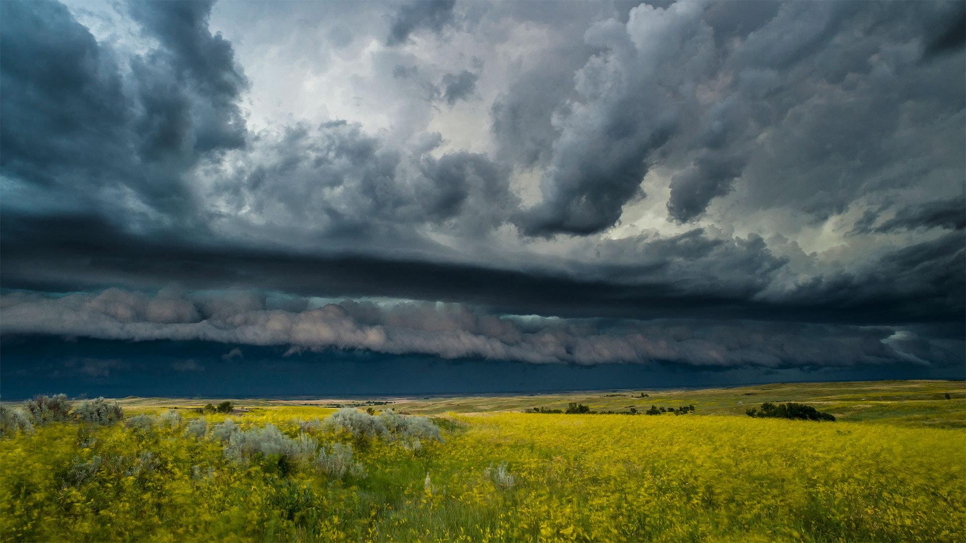 一场雷雨席卷西奥多·罗斯福国家公园