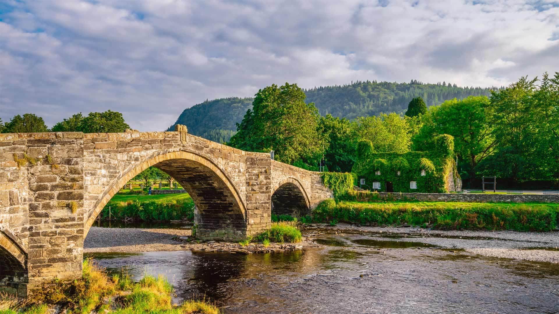 兰鲁斯特一座名为Pont Fawr的石拱桥Pont Fawr