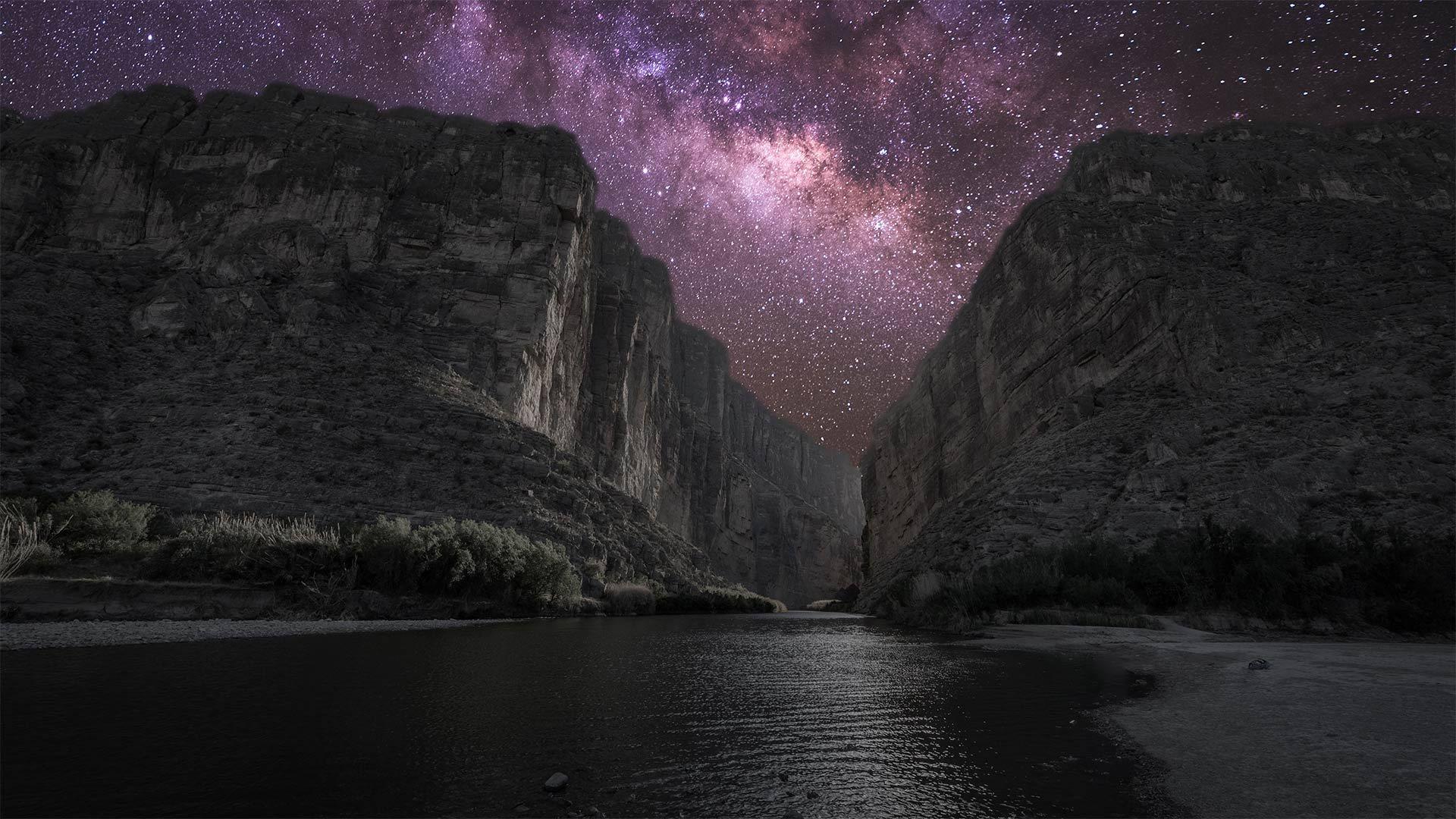 银河下的圣埃伦娜峡谷圣埃伦娜峡谷