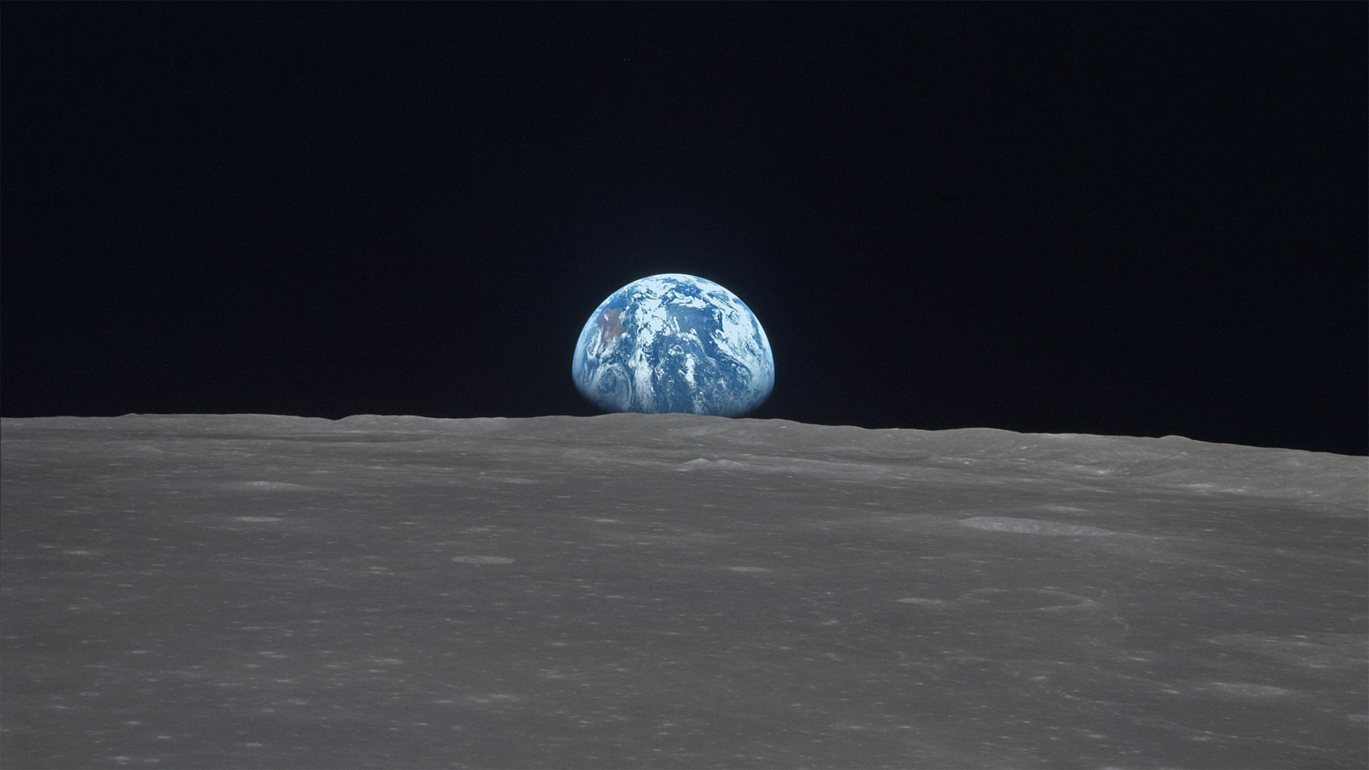 """穿过月球上史密斯海的""""地出"""" 史密斯海"""