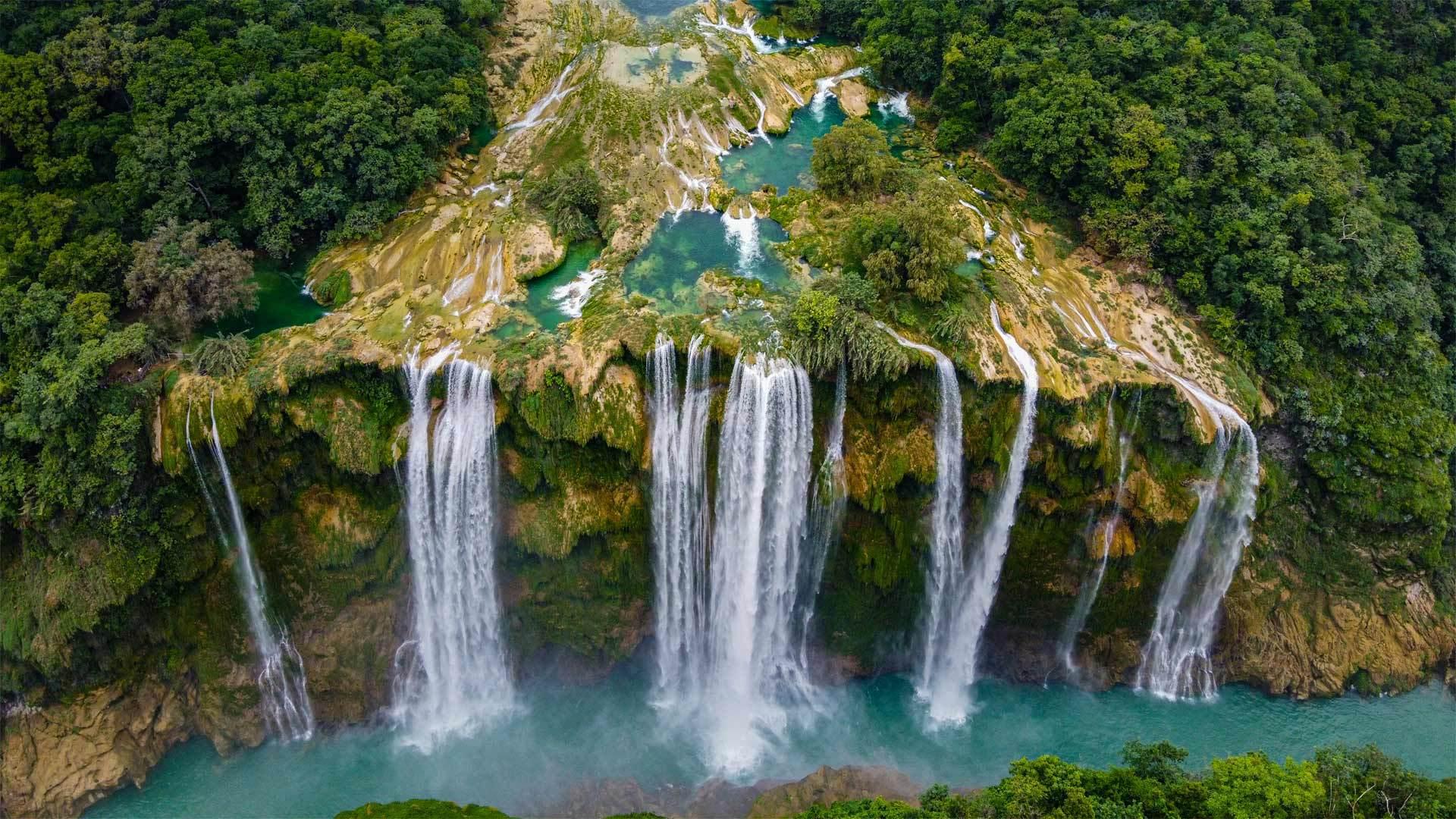 圣路易斯波托西州的Tamul瀑布Tamul瀑布