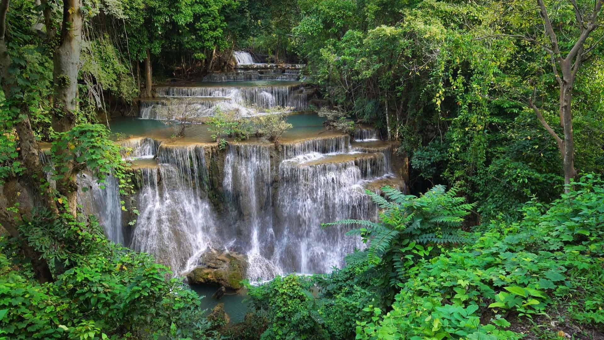 Khuean Srinagarindra国家公园的Huay Mae Khamin瀑布Huay-Mae Khamin瀑布