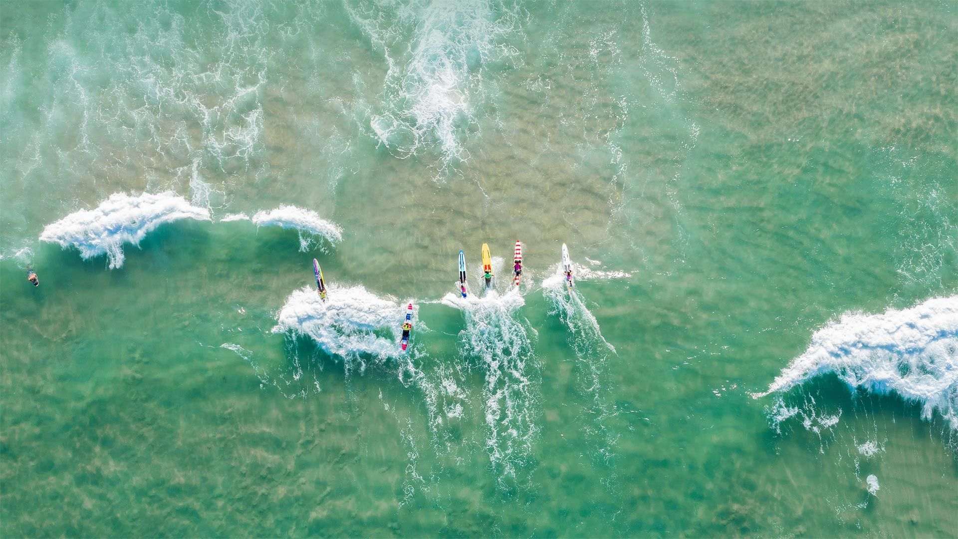 在伯利角冲浪的人们伯利角