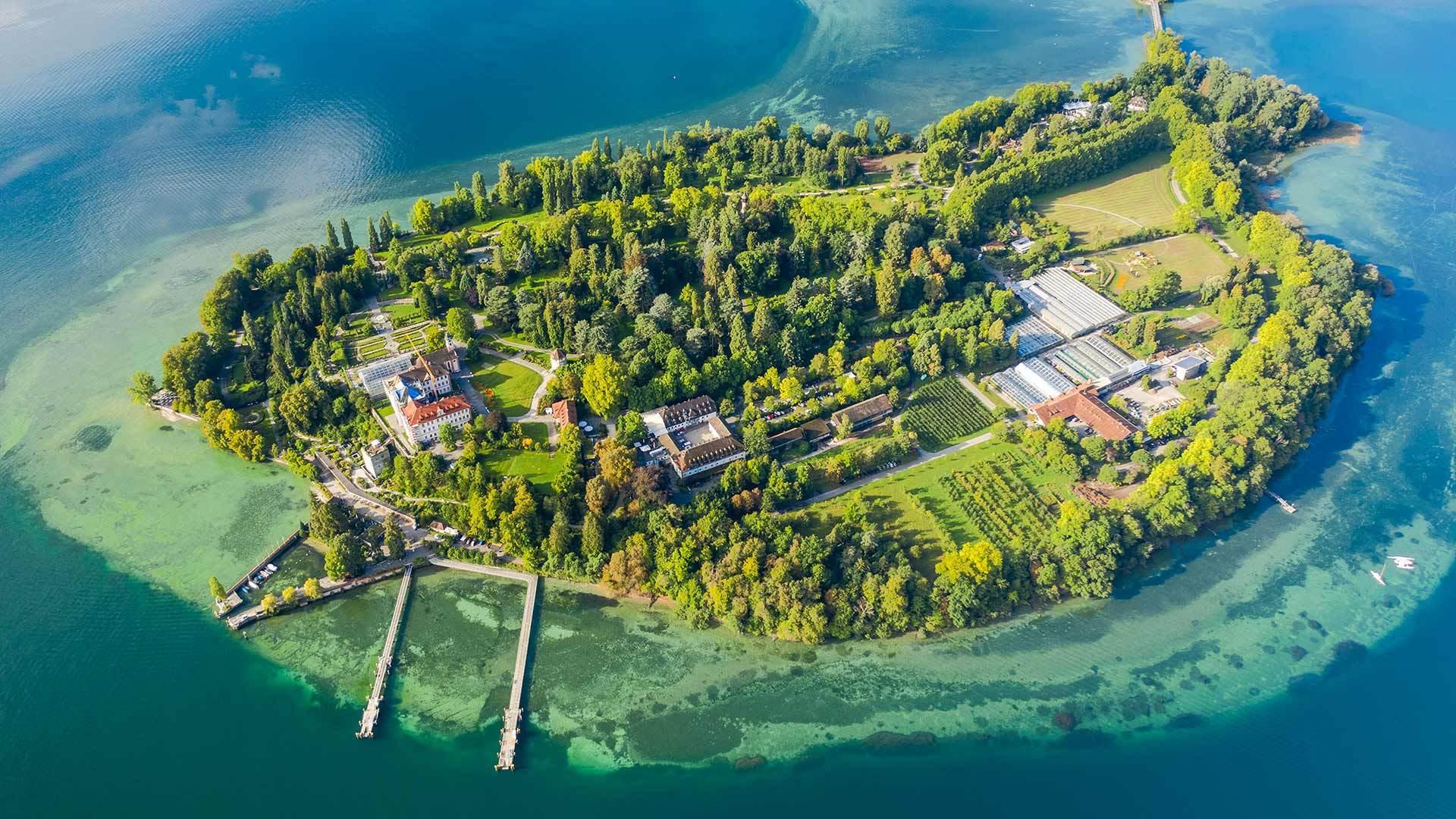 鸟瞰博登湖上的迈瑙岛迈瑙岛