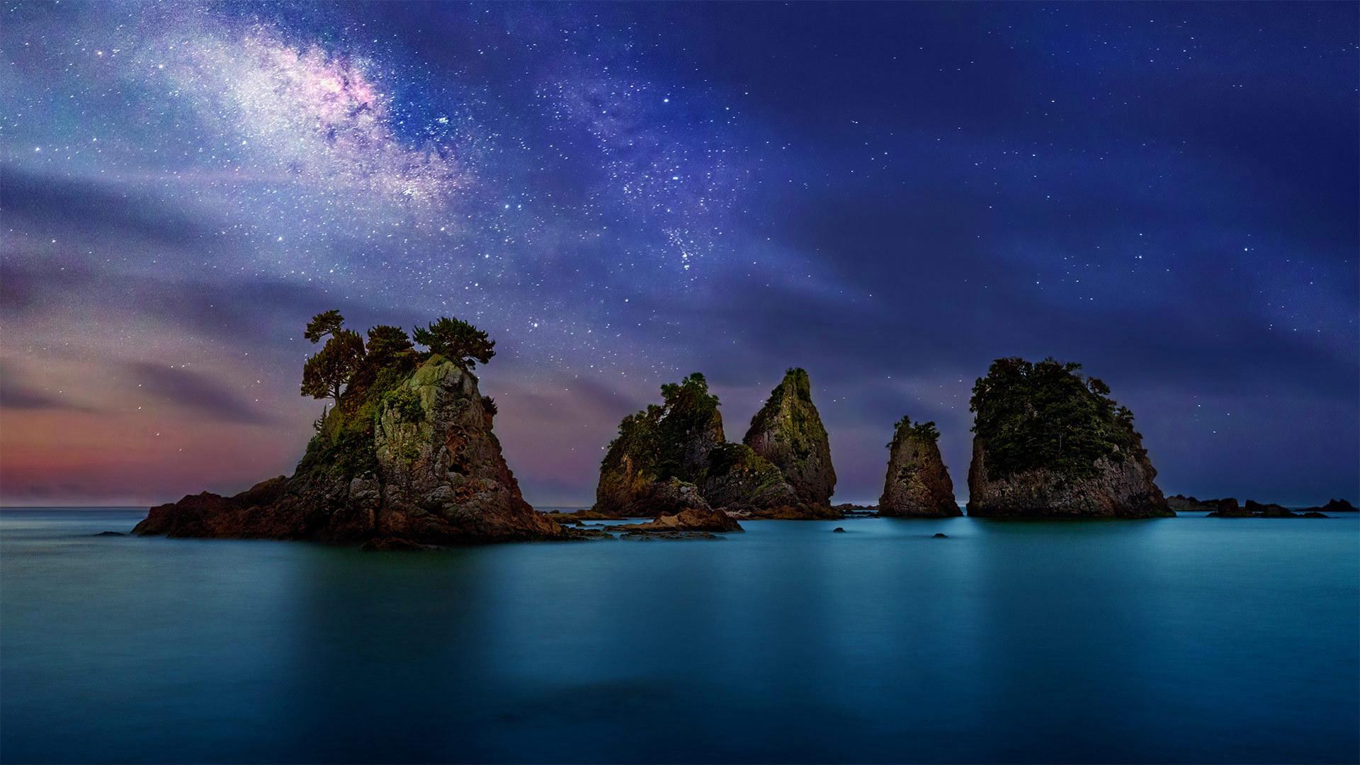 伊豆半岛海岸附近的 Minokake-Iwa 奇岩群伊豆半岛