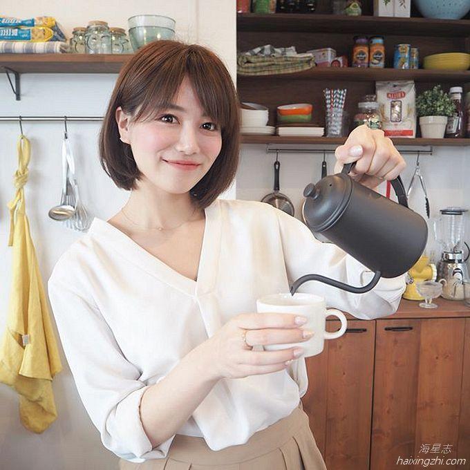 笑容太治愈,日本OL美女石井里奈满满正能量_25