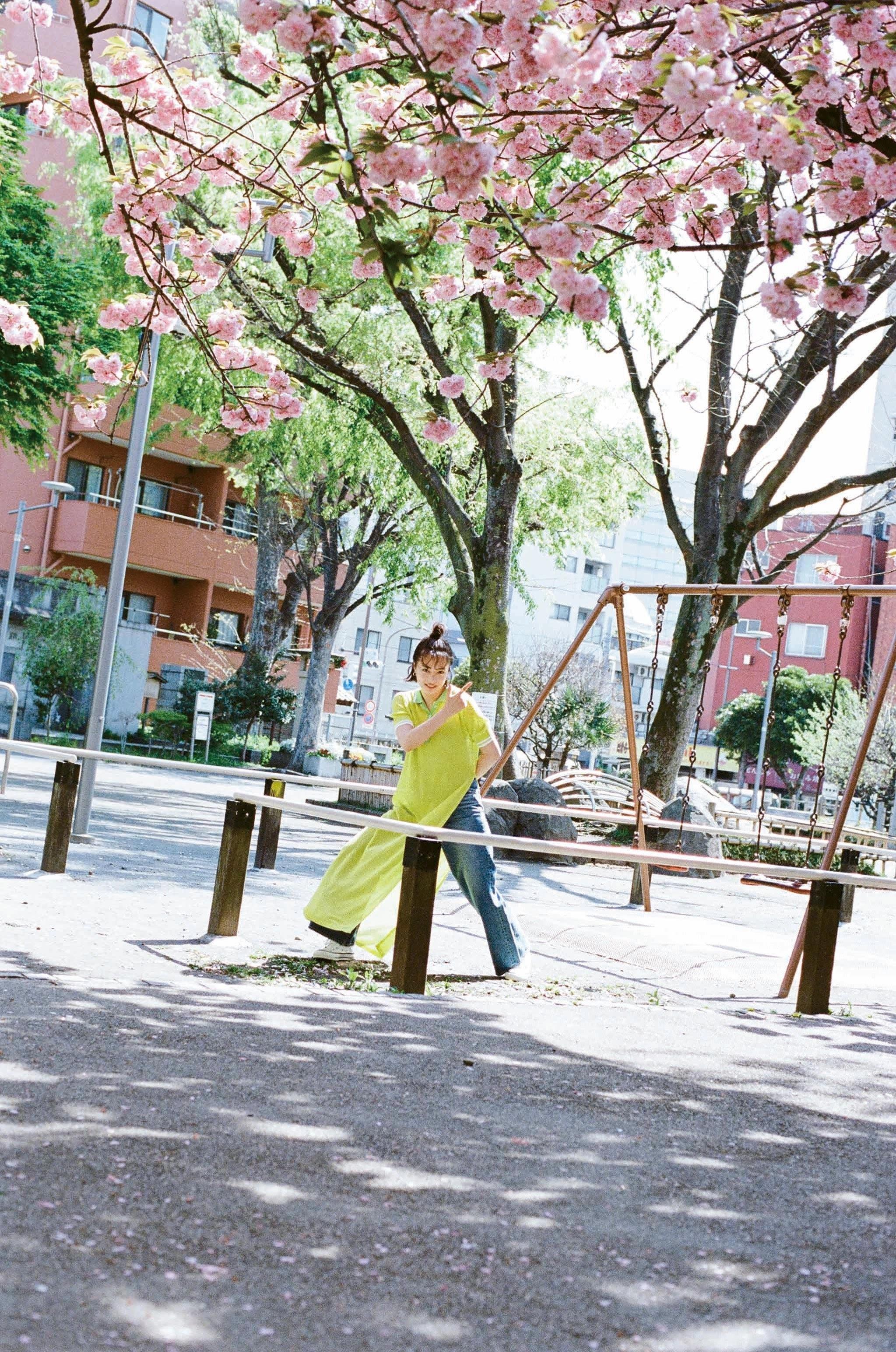 少年Magazine 广濑丝丝 广濑铃b02
