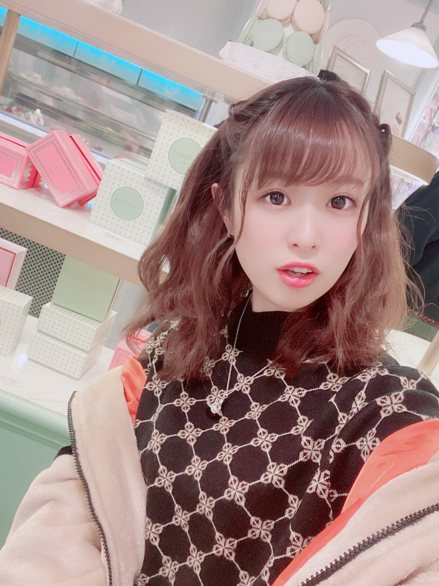 hikari_ninoheee 1250088835083407362_p2