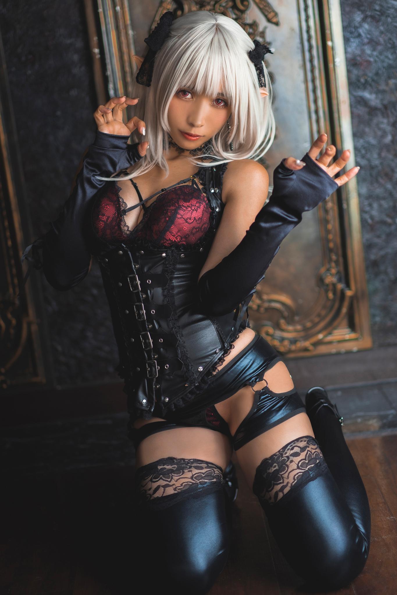 Ravishing-Elf-Lingerie-Cosplay-by-Jill-5