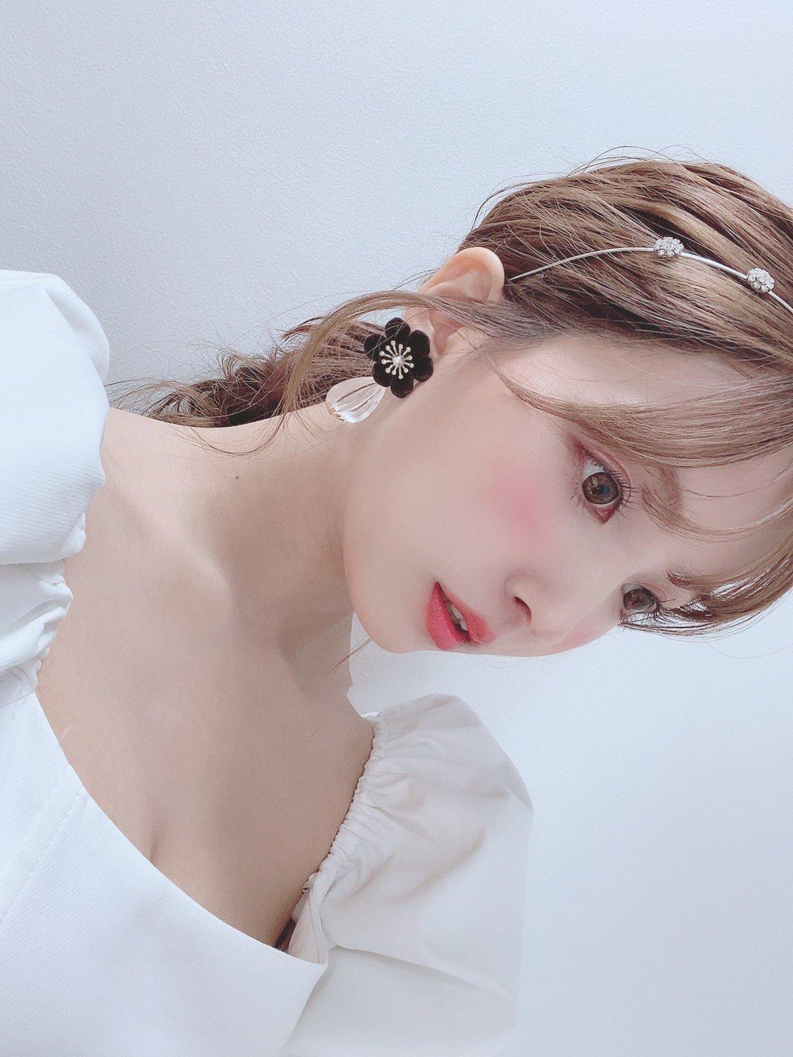 yua_mikami 1265276381396525057_p1