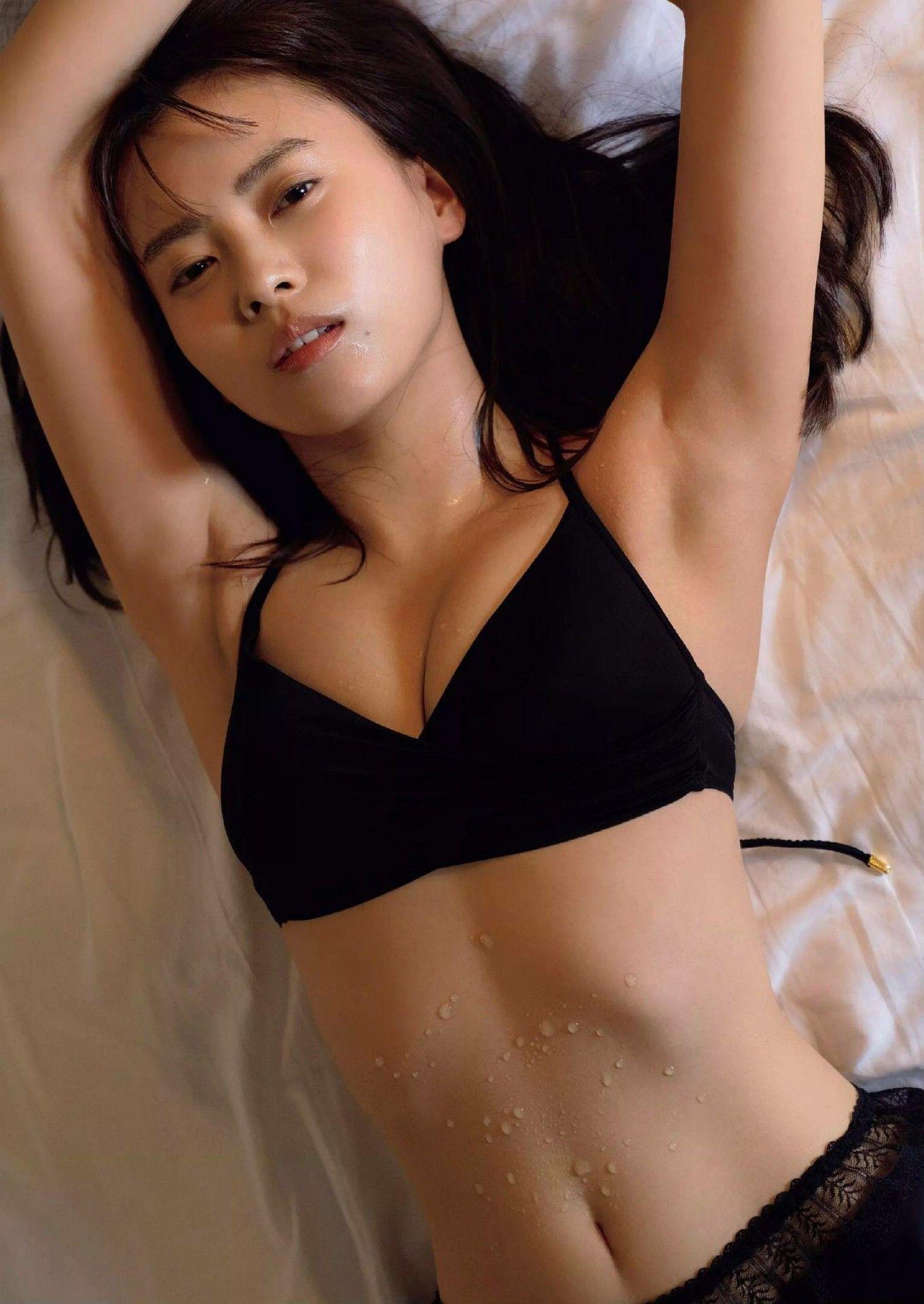 Weekly Playboy 2020-31_32_imgs-0007_2