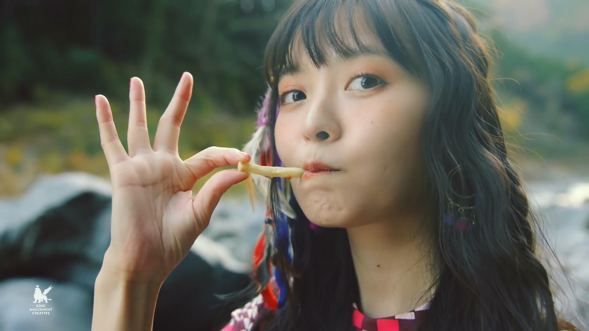 上坂すみれ「EASY LOVE」Music Video.mp4_000256.362