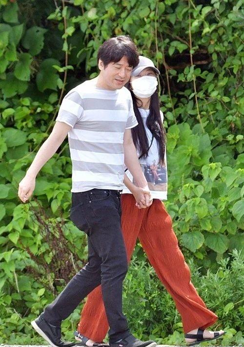 小岛瑠璃子和原泰久的恋情期初就有小三上位的嫌疑,这下可好现在分手了 (4)