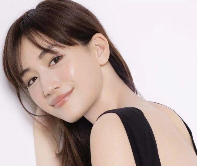 国民演员绫濑遥挑战他人不敢触碰的争议话题而圈粉无数 (2)