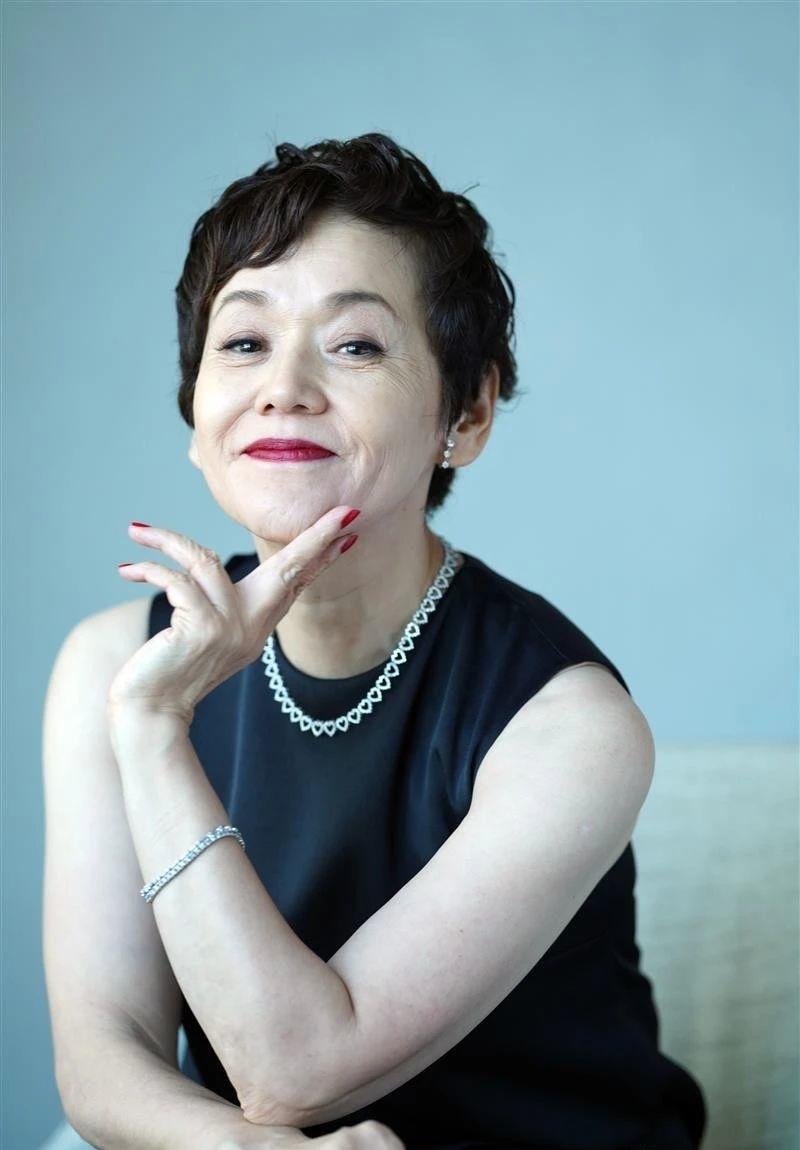 日本国宝级艺人大竹忍传奇一身不仅体现遵从内心去生活的决心还可窥见女性身上的韧劲 (18)