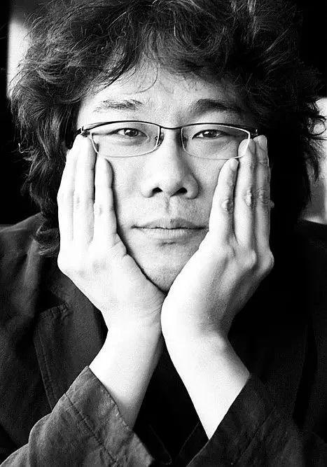韩国电影导演奉俊昊最大理想就是赤裸裸展现同时代人们生活故事 (1)