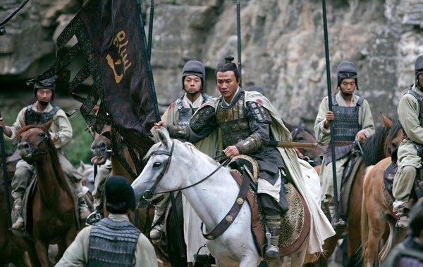 电影《赤壁》有优点也有缺点场面华丽壮观剧情唯美点到为止 (4)