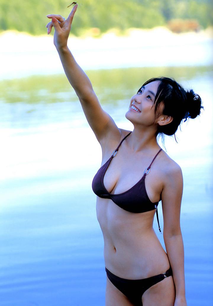仓科加奈再战时尚封面写真作品对比16年前的青春无敌性感 (5)