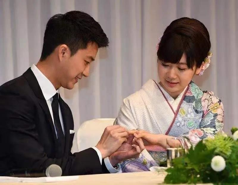 """日本传出""""瓷娃娃""""福原爱与丈夫两地分居,网友猜测恐婚变"""