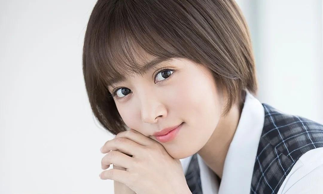 离爆红只差一点点的日本演员夏菜将和圈外男友结婚 (7)