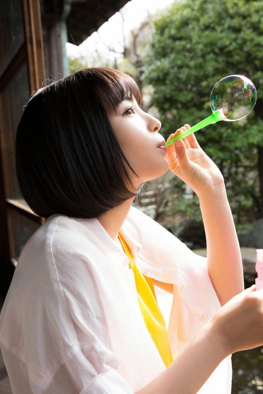 20神颜美少女却黑历史比较多的广濑丝丝写真作品 (1)