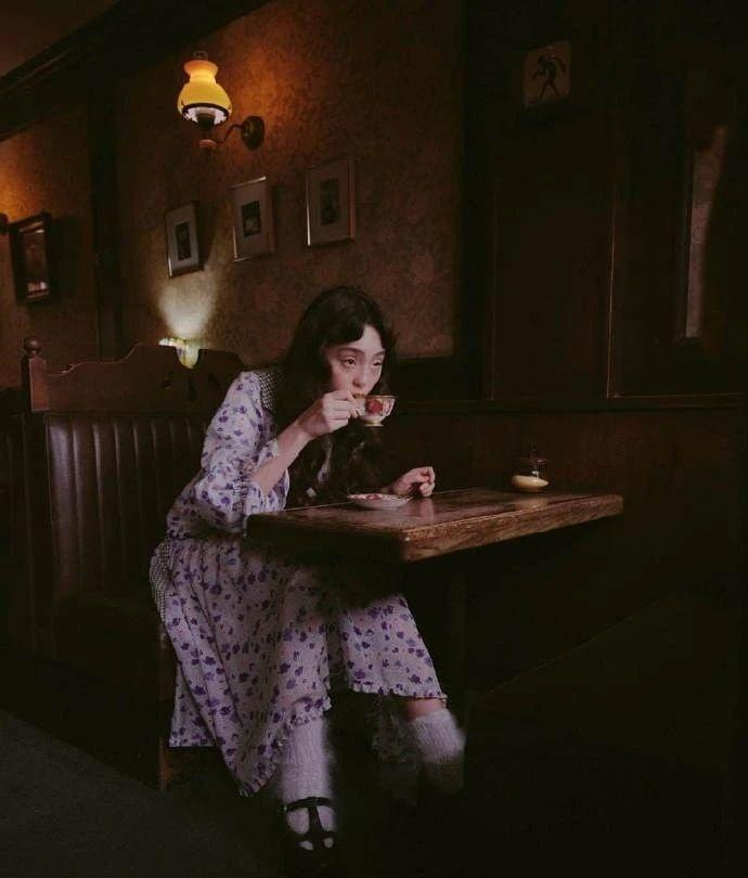 满脸雀斑却依旧很美的混血模特世理奈写真作品 (26)