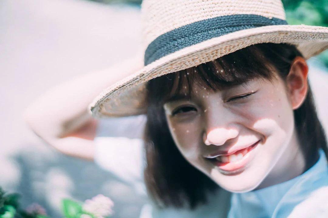 永远一张娃娃脸的棉花糖女孩弘中绫香写真作品 (75)