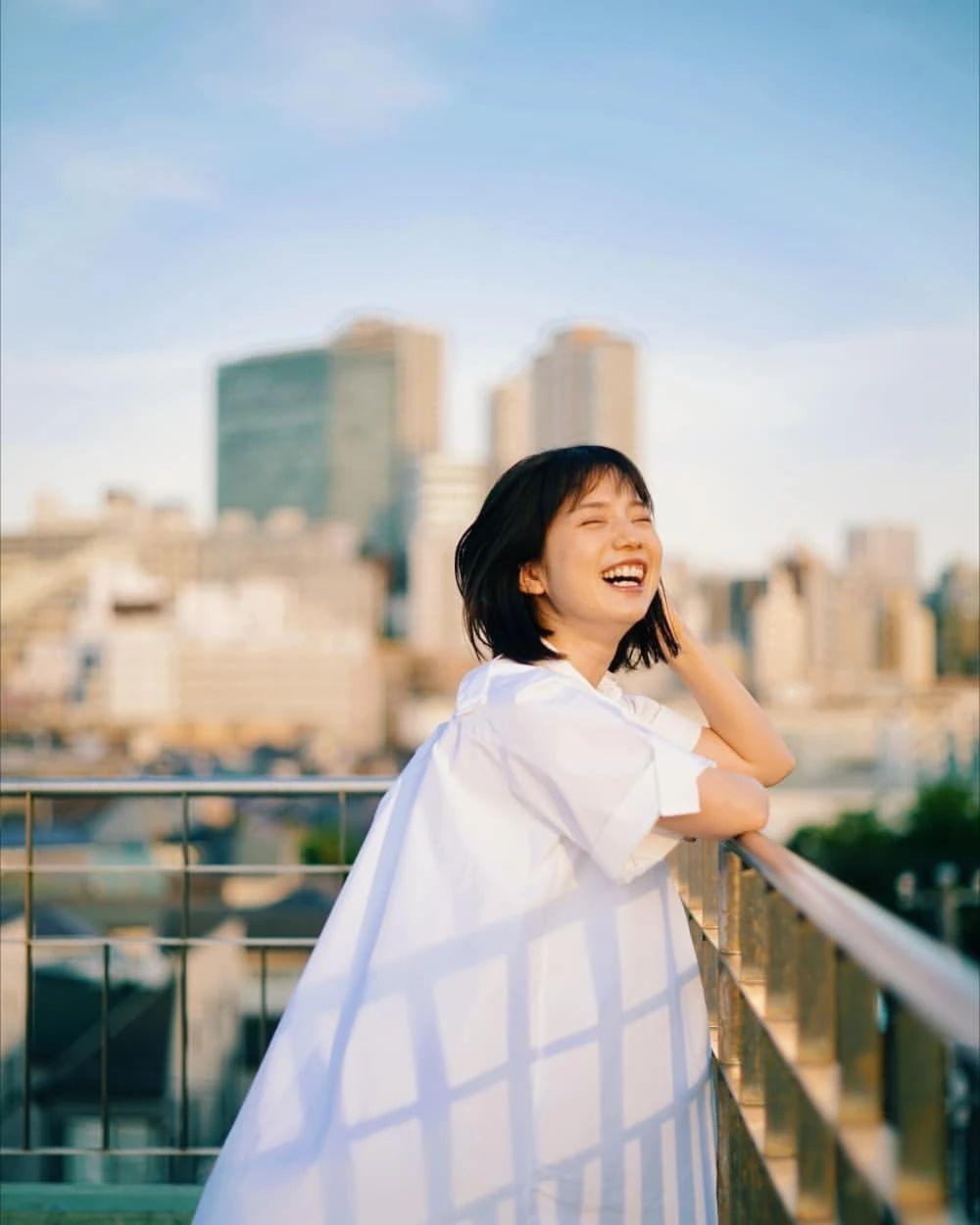 永远一张娃娃脸的棉花糖女孩弘中绫香写真作品 (91)