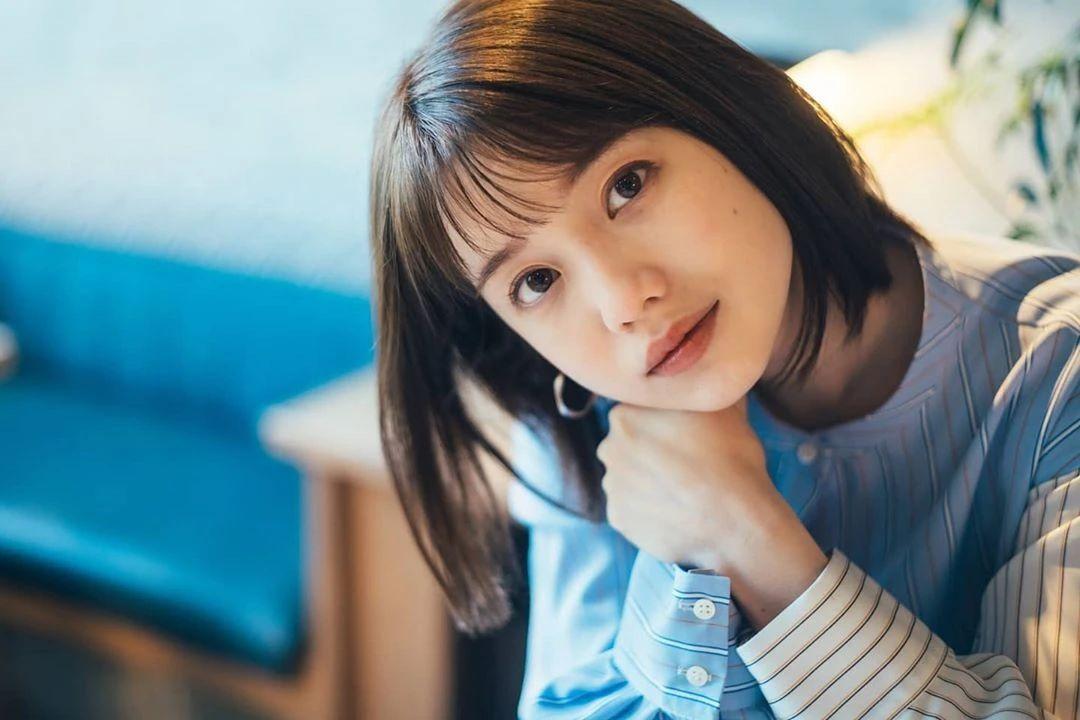 永远一张娃娃脸的棉花糖女孩弘中绫香写真作品 (1)