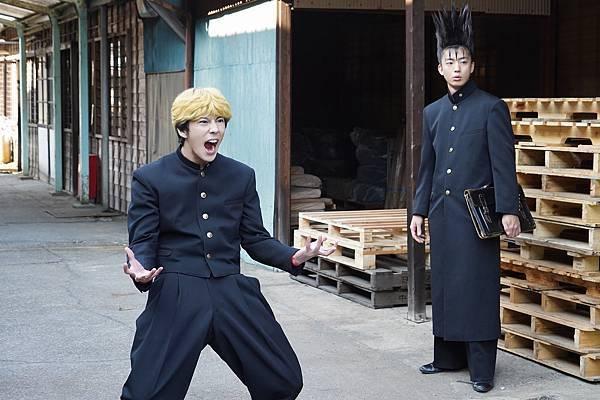 电影《我是大哥大!!剧场版》为了搞笑牺牲了桥本环奈的清纯形象 (3)