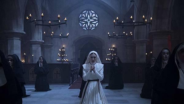 恐怖电影《鬼修女》故事情节过于单薄难有看点只能祈求宽恕 (4)