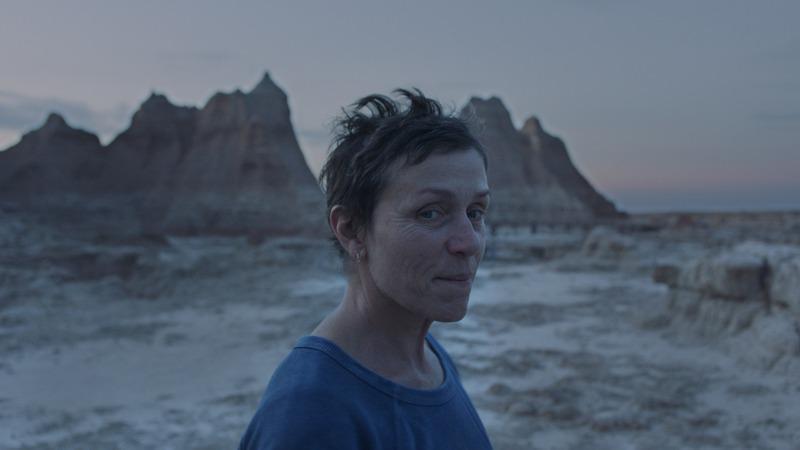 电影《游牧人生》是四海为家的旅行还是无家可归的流浪 (6)