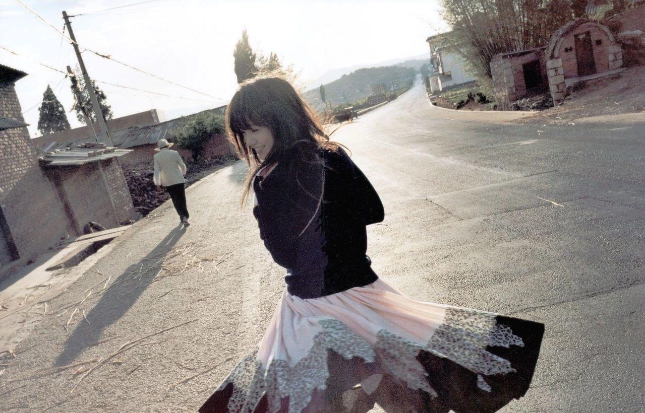 纯真脱俗的森系女神宫崎葵写真作品 (25)