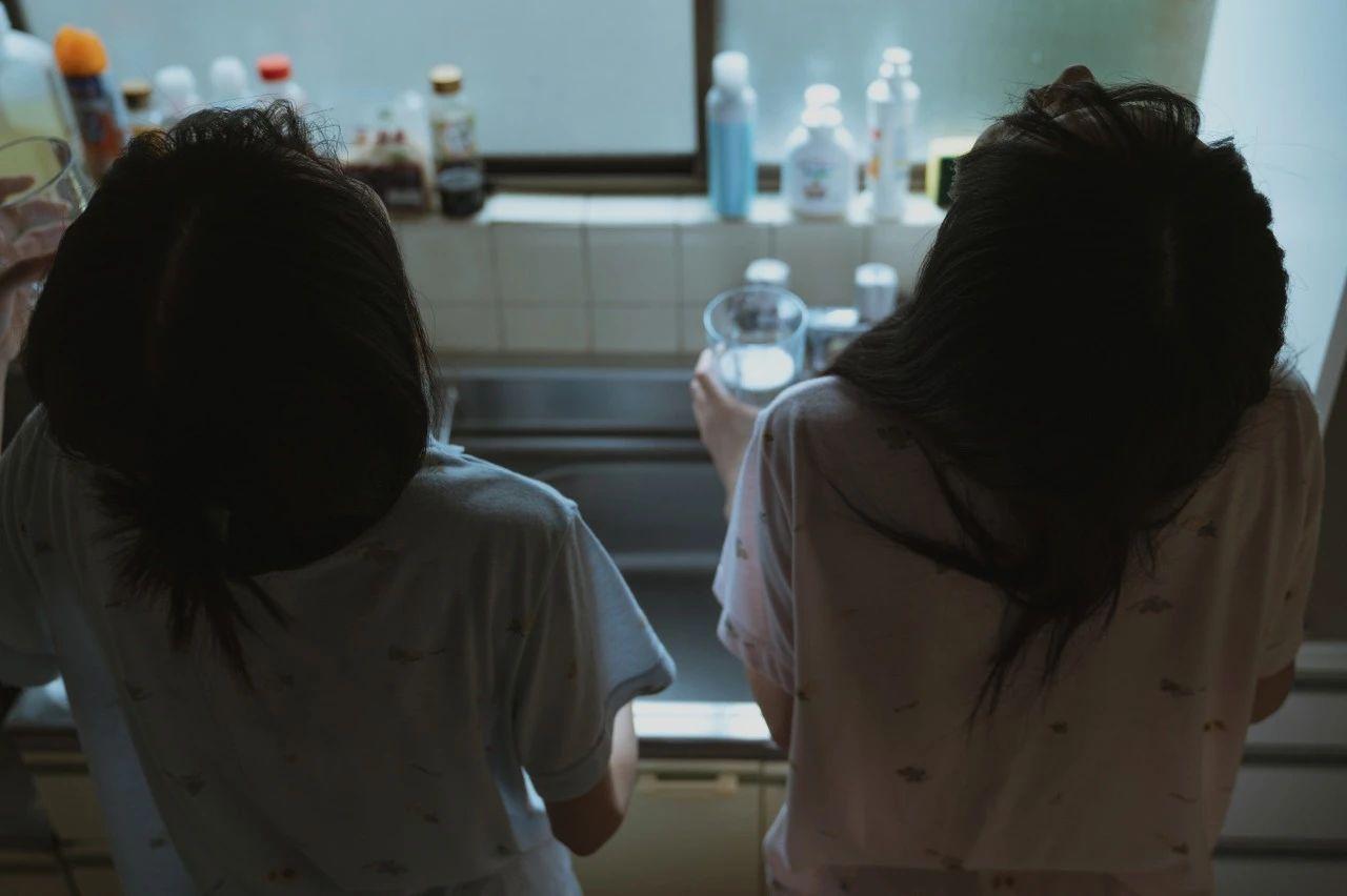 B站UP主果哝双子让你们享受双倍的美好双倍的快乐 (18)