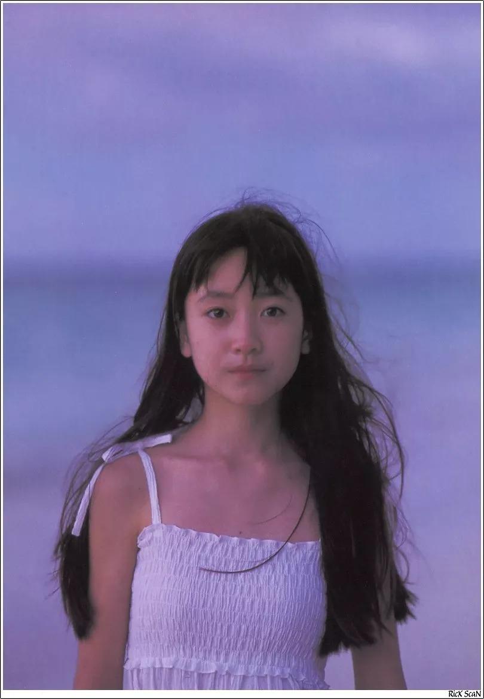 形象纯过蒸馏水的黑川智花《少女觉醒》的写真作品 (18)