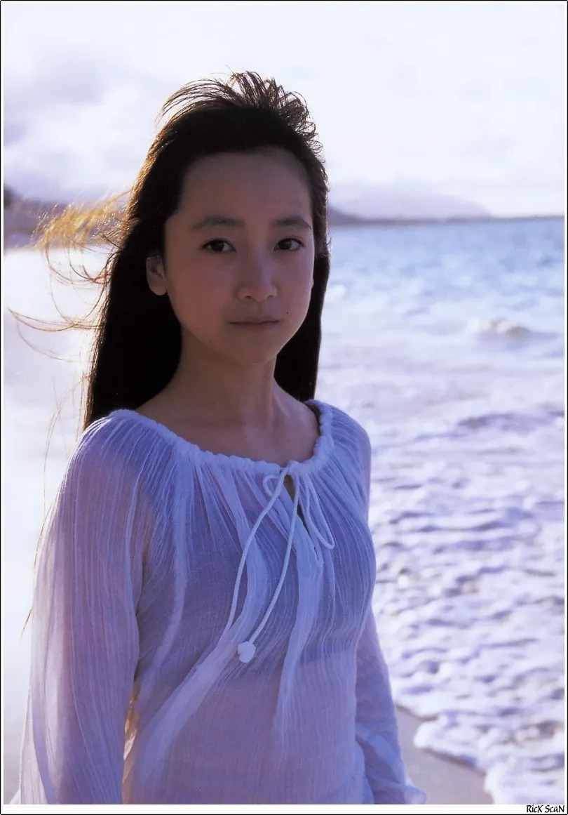 形象纯过蒸馏水的黑川智花《少女觉醒》的写真作品 (23)