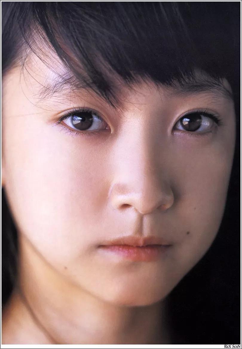 形象纯过蒸馏水的黑川智花《少女觉醒》的写真作品 (56)