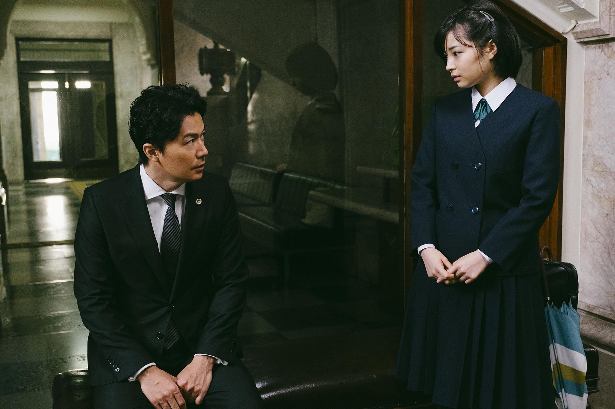 日本悬疑电影《第三度嫌疑人》用自己的死保护了那仅有的一丝人性 (4)