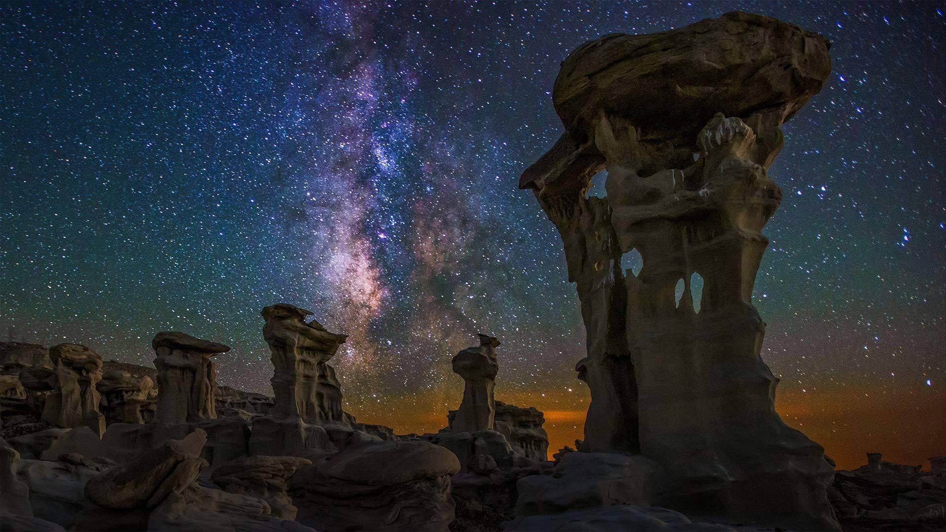 Bisti/De-Na-Zin Wilderness上空的银河