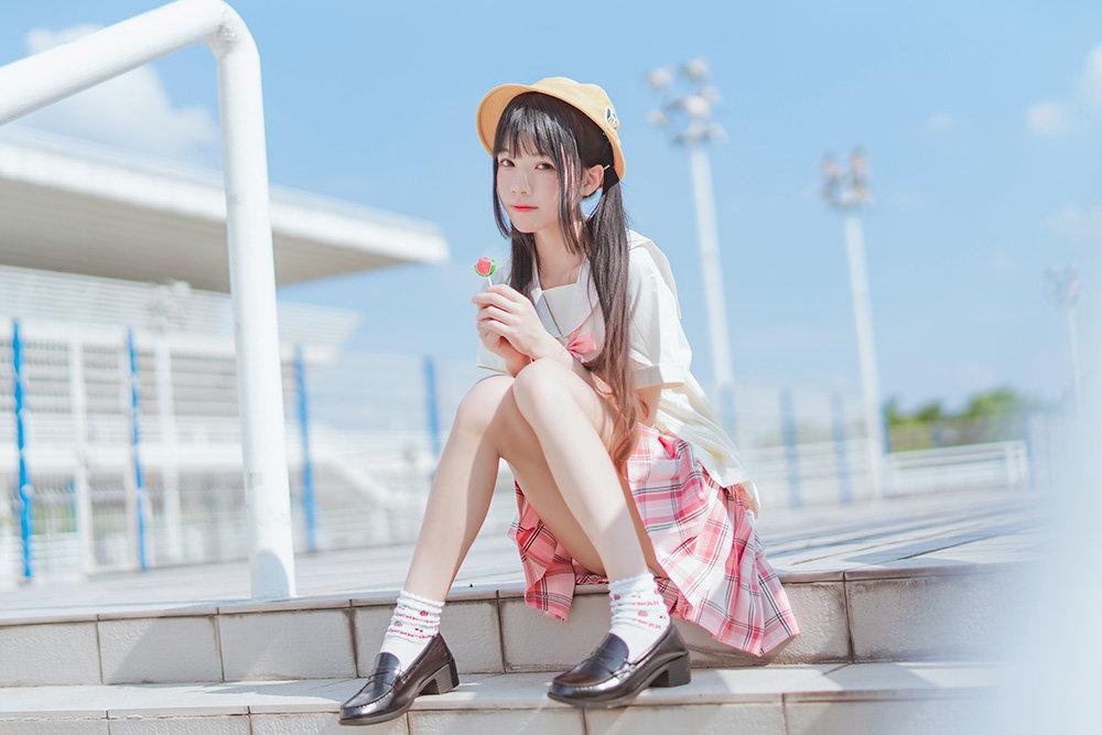 喵糖映画 VOL.256 樱桃喵_户外小黄帽主题摄影在线看22P