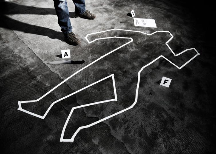 凶杀现场37人旁观却见死不救,不是人性扭曲而是媒体作假作恶插图