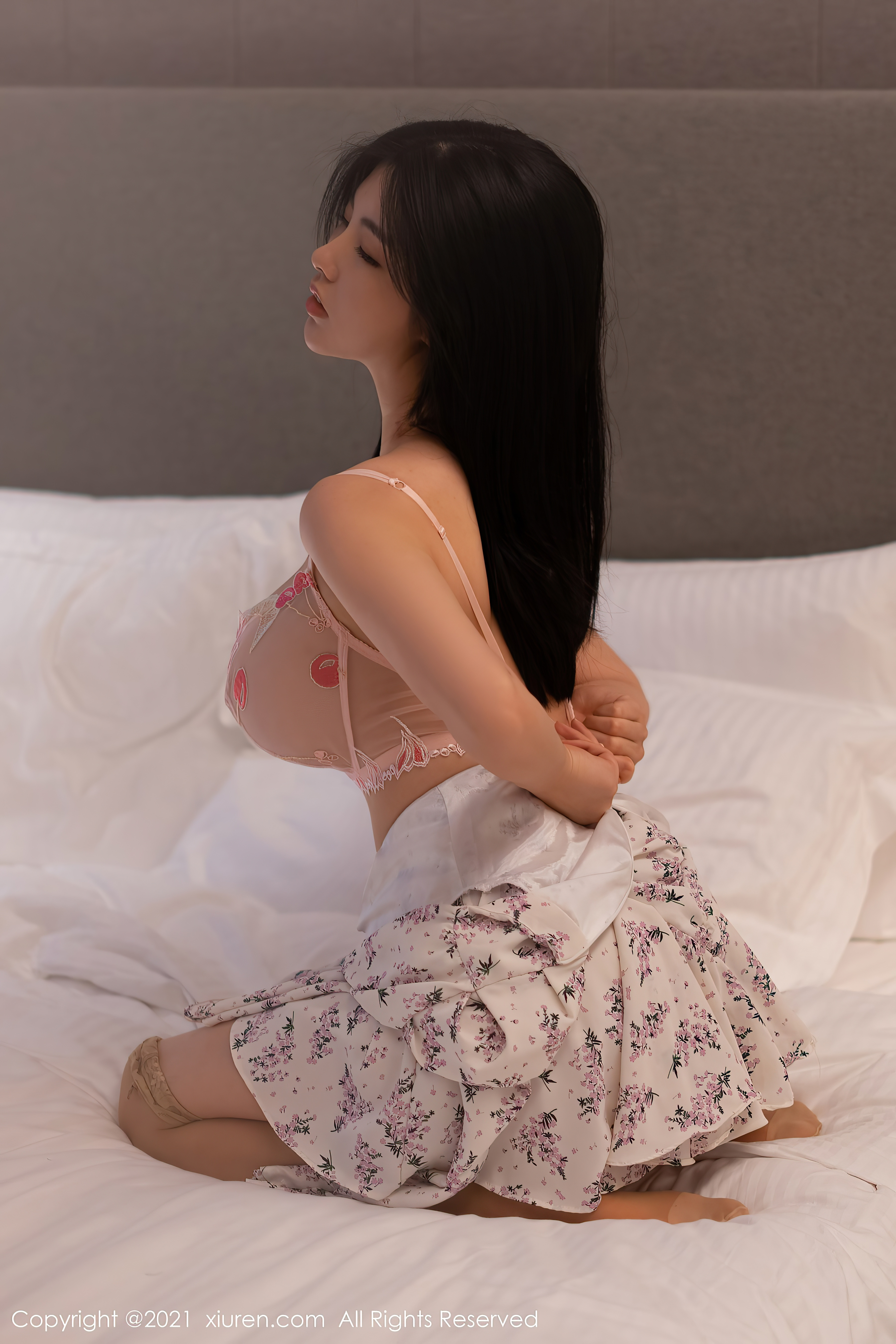 NO.3379娜露Selena 性感妩媚私房写真48P在线免费看-觅爱图