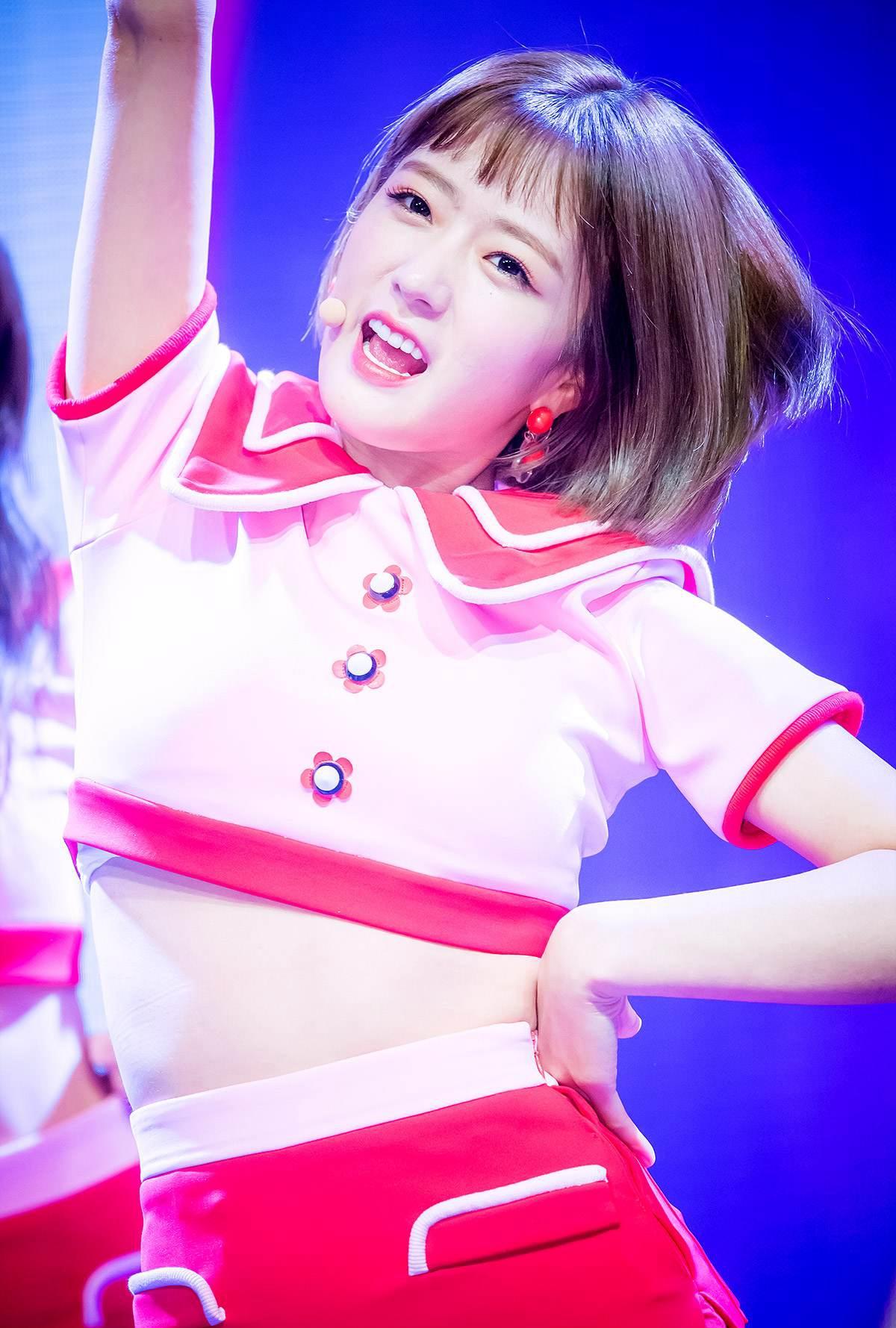 看到她们心情会好!韩国女团中的7位开朗少女,活泼、爱笑是她们的共同点插图2