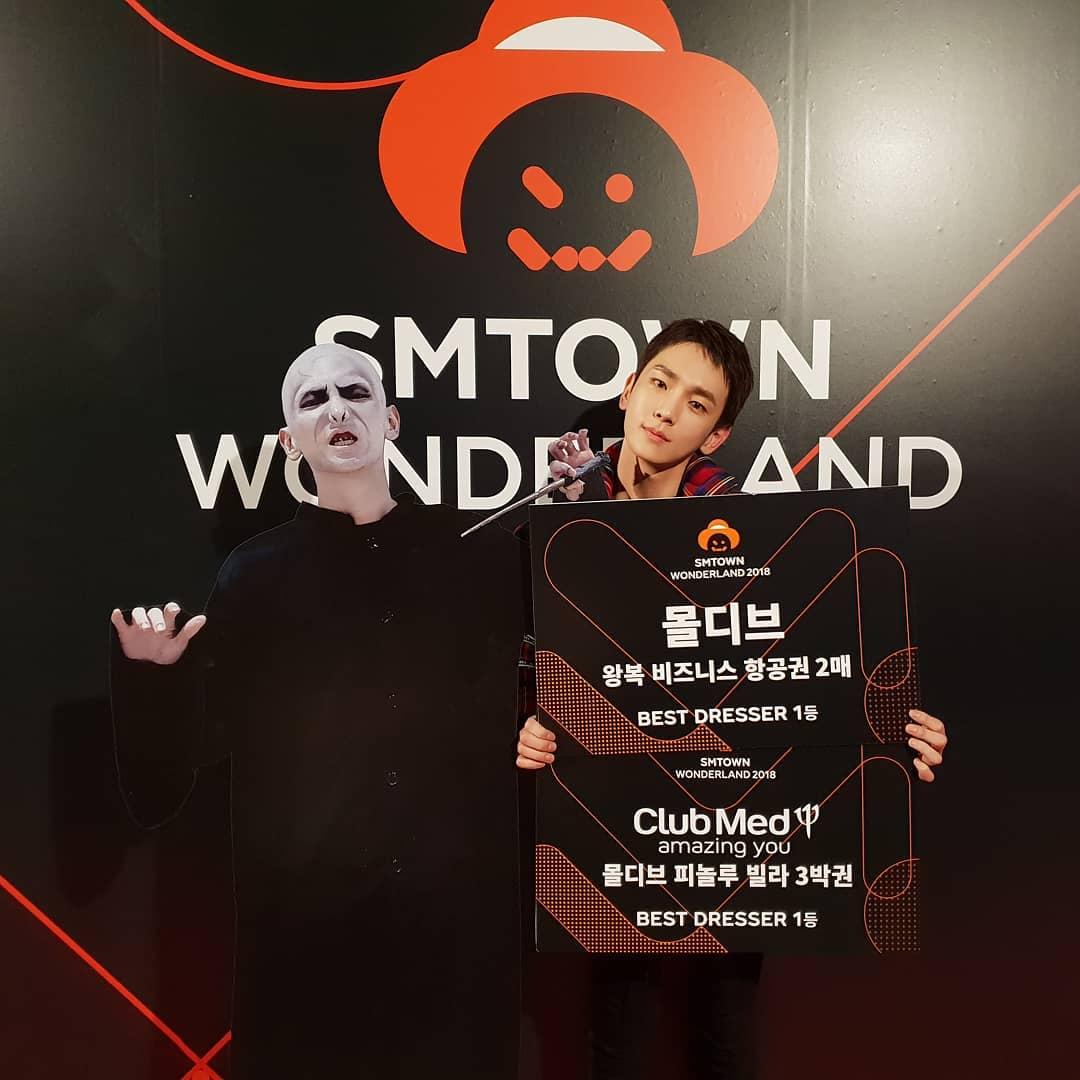 尴尬了!EXO灿烈缺席SM万圣节派对原因曝光,死侍服装卡在海关了插图