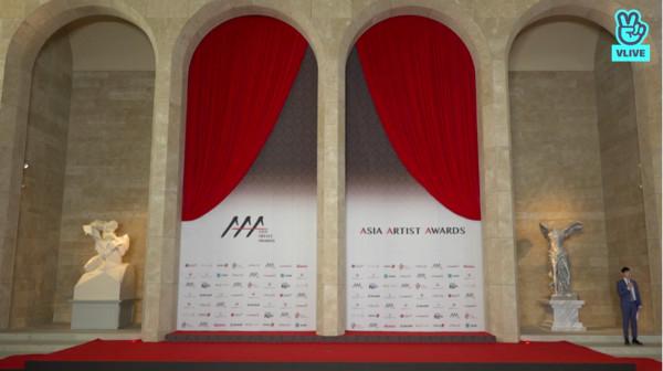 尴尬!韩国颁奖礼红毯出状况,主持人苦等10分钟没人来接受采访!插图4