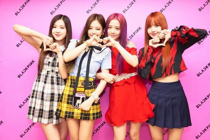 Lisa衣服竟然出现在Jennie新歌MV舞者身上,粉丝愤怒:YG太偏心!插图2