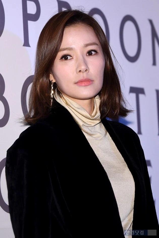 韩国女星带儿子侄女追星被批耍特权,发文解释更被网友晒证据打脸插图3