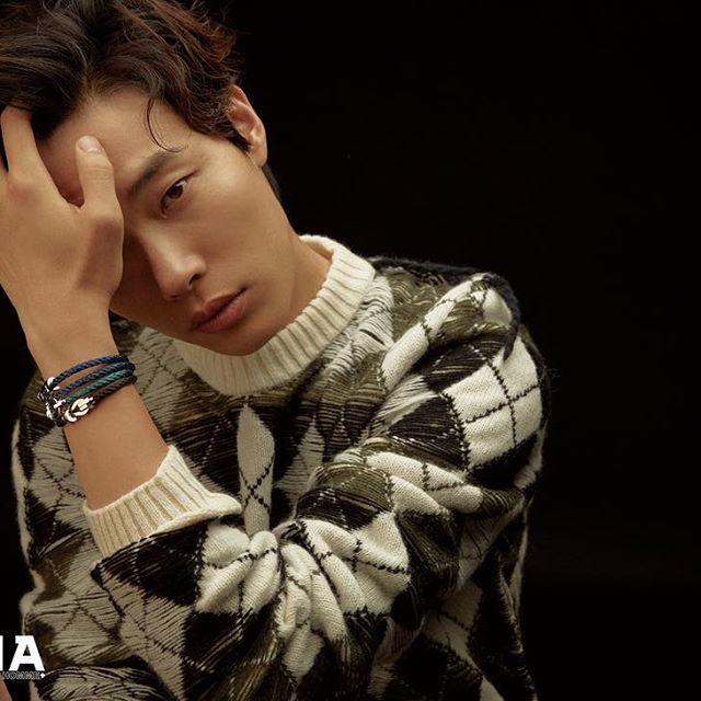 越看越有魅力!韩国新一代丑帅代表柳俊烈,陷入就无法逃脱的魅力插图1